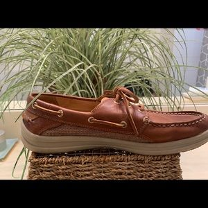 Gold cup Sperry boat shoes